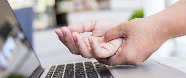 8 طرق للتخلص من تنميل اليدين والقدمين