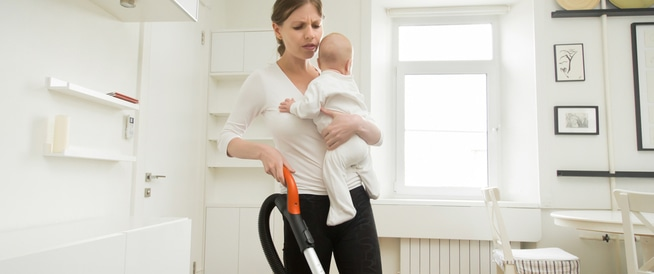 أبرز 3 مشاكل تواجه الأم الحديثة