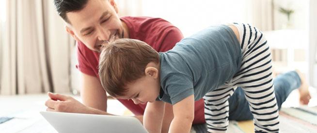 8 علامات تدل على ذكاء الطفل منذ ولادته