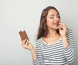 الأطعمة الأفضل والأسوأ لعلاج حبّ الشّباب