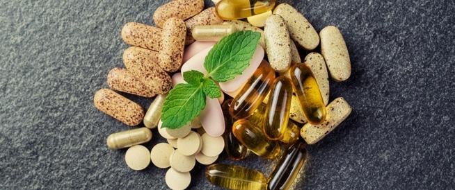 أضرار الفيتامينات موجودة وحقيقية: احذر منها!