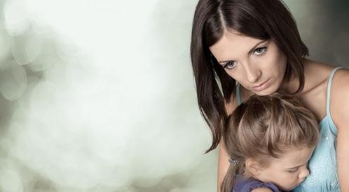 قلق الأم على صحة طفلها