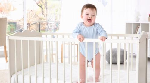 طرق التعامل مع استيقاظ الرضيع ليلاً