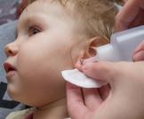 ثقب أذن طفلتي: هل ومتى أقوم به؟