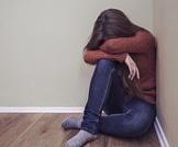 مواقف محرجة تواجهها المراهقات