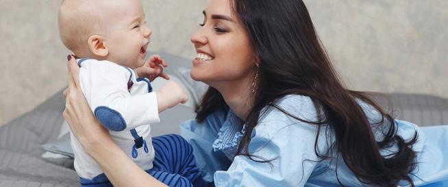 9 طرق بسيطة لتحسين تطور دماغ الطفل وزيادة ذكائه!