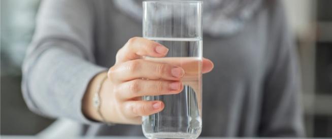 أعراض غريبة تدل على نقص الماء في الجسم