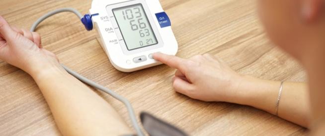 8 أخطاء شائعة تجنبها أثناء قياس الضغط