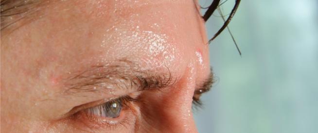 التعرق: رائحة سيئة ولكن فوائد هامة للجسم والصحة