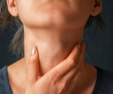 سرطان الحنجرة: الأسباب، الأعراض والعلاج