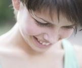 احمرار الوجه: الأسباب والحلول