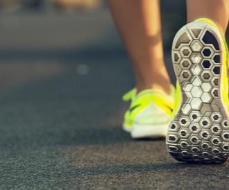 تعرف على فوائد المشي بعد الأكل