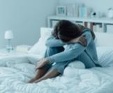أعراض الاكتئاب لدى المرأة: كيف تختلف؟