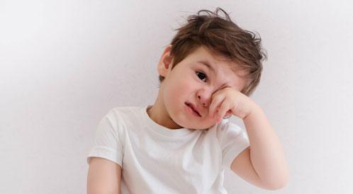 أمراض العيون للأطفال قبل عامين