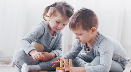 تعليم الطفل مهارة المشاركة