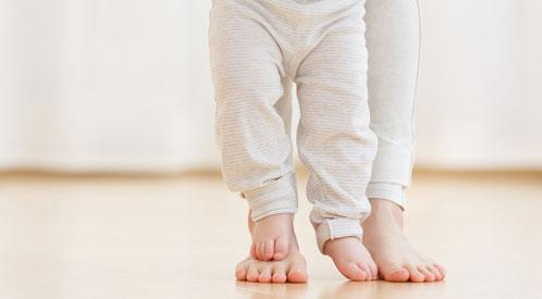 علاج الفلات فوت عند الأطفال