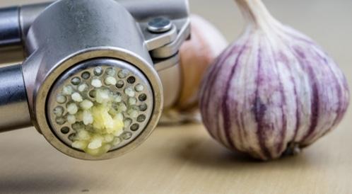 هل علاج البواسير بالثوم جيد حق ا ويب طب