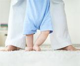 طرق تعليم الطفل المشي