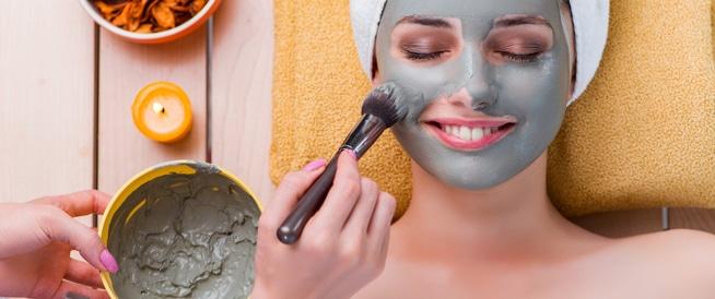 ماسك الطين: فوائد وطريقة استخدام