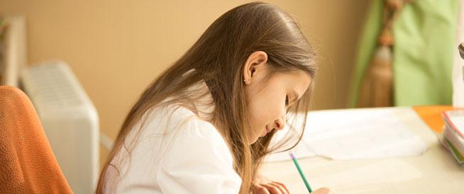 8 خطوات لتعليم الطفل الكتابة