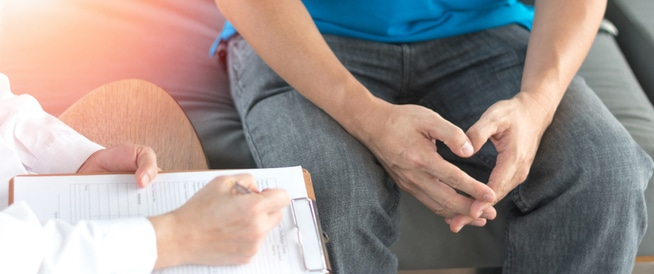 التهاب الخصية: الأعراض والأسباب