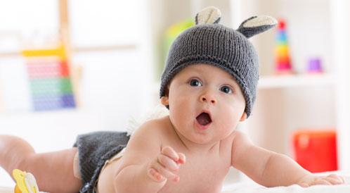 ملامح تطور الطفل في الشهر الخامس