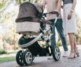 معايير الأمان في اختيار عربة طفلك