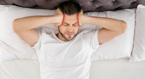 صداع أعلى الرأس: الأسباب والعلاج