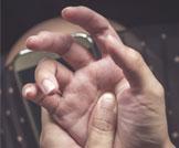 أسباب وعلاج آلام الأصابع