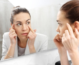 أسباب اصفرار الوجه وطرق علاجه