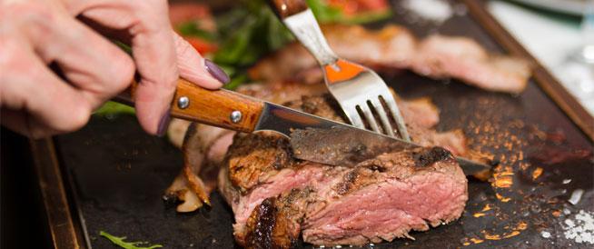 9 مشكلات صحية بسبب الإفراط في تناول اللحوم