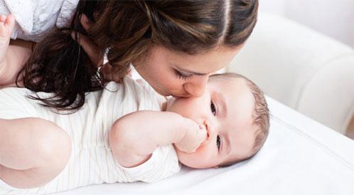 أسباب وعلاجات جوع الرضيع