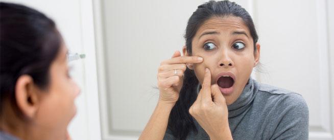 زيادة هرمونات الذكورة عند النساء: الأسباب والعلاج