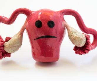 دم النفاس والنزيف بعد الولادة: الطبيعي وغير الطبيعي