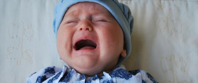 أعراض وعلاج الإمساك عند الرضع في الشهر الأول
