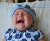 علاج الإمساك عند الرضع في الشهر الأول