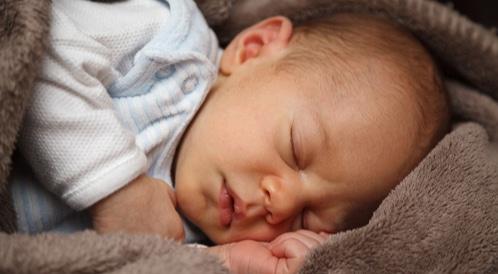 الحازوقة عند الرضع
