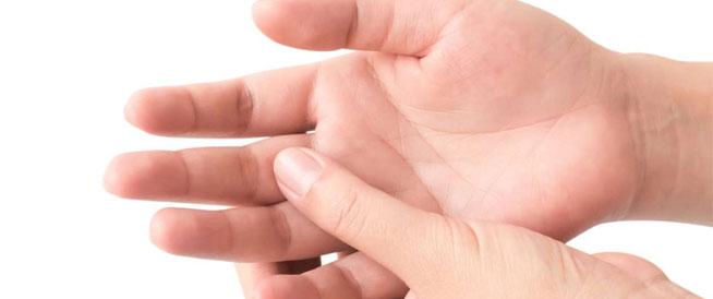 تورم الأصابع: أبرز الأسباب وطرق العلاج