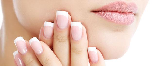 9 عادات خاطئة تضر بصحة الأظافر