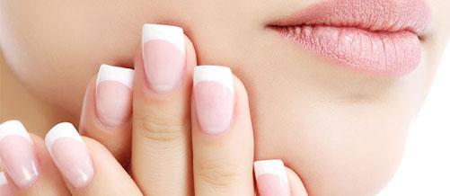 عادات تضر بصحة الأظافر