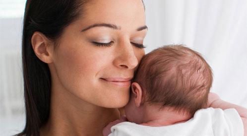 كيفية تهدئة الطفل أثناء البكاء