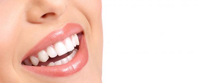 أسرار للحفاظ على الأسنان البيضاء مع تقدم العمر