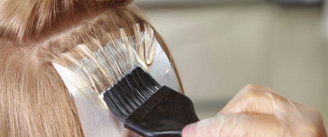 محاذير ونصائح هامة قبل تطبيق صبغة الشعر