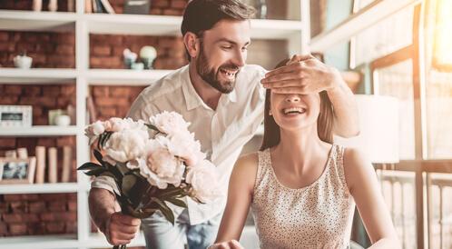 طرق للحفاظ على الرومانسية في العلاقة