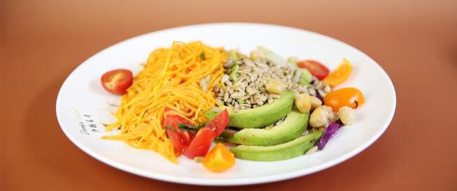 أطعمة غنية بالألياف: قائمة تفصيلية
