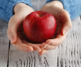 فوائد التفاح الأحمر وقيمه الغذائية