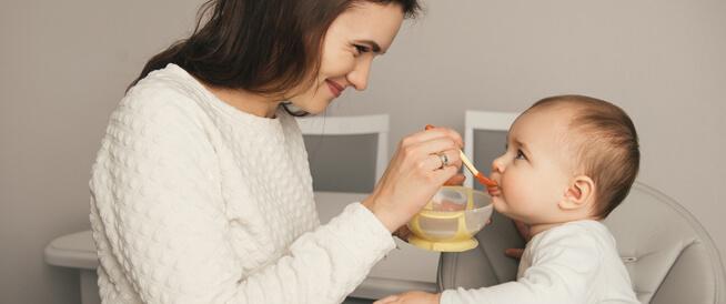 الغازات لدى الرضع والأطفال: الأسباب وطرق العلاج