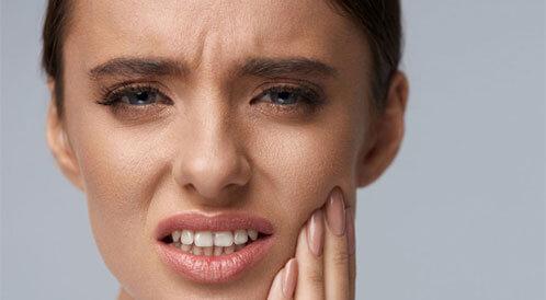 أمراض تؤدي لألم الأسنان