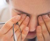أعراض الماء الأبيض بالعين