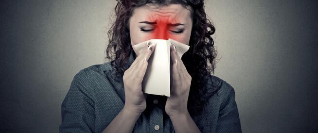 البثور داخل الأنف: الأسباب والعلاجات المنزلية